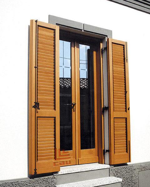 Porta finestra 2 ante con persiane alette orientabili