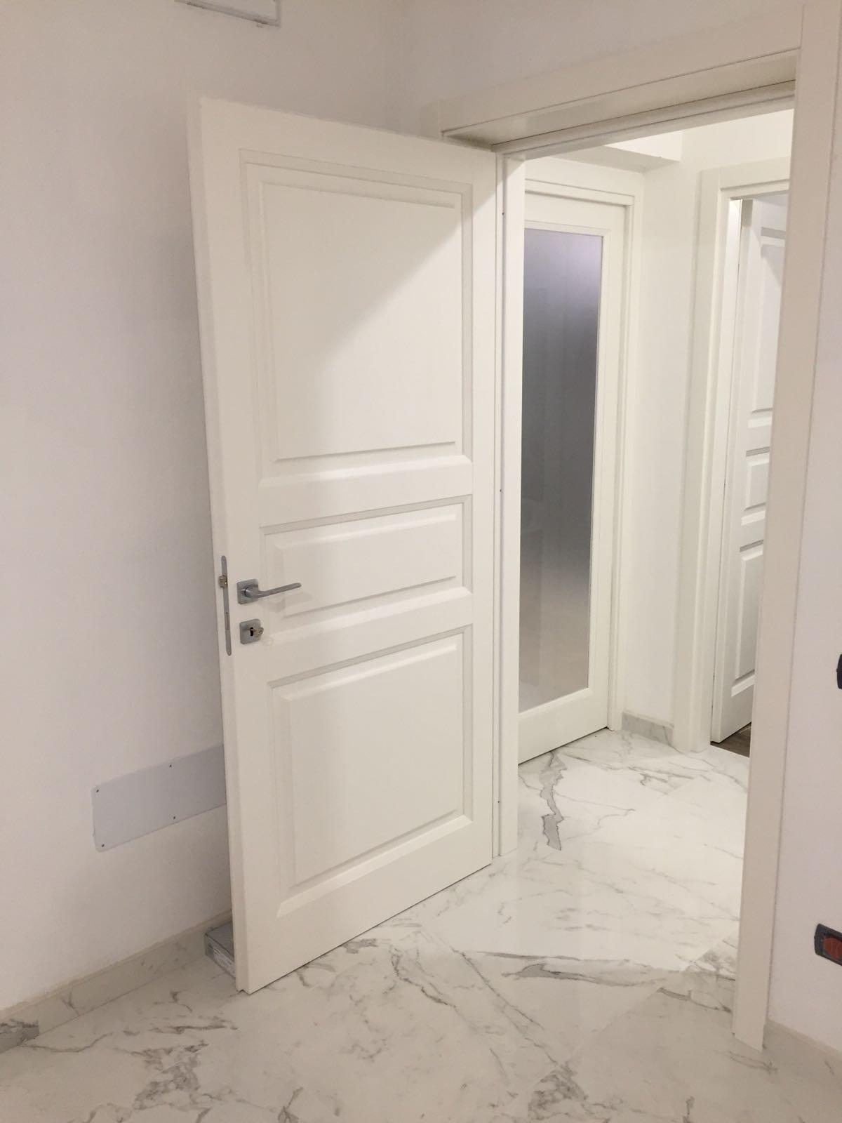 Porte Bianche Laccate Prezzi porte interne in frassino laccate bianche a poro aperto